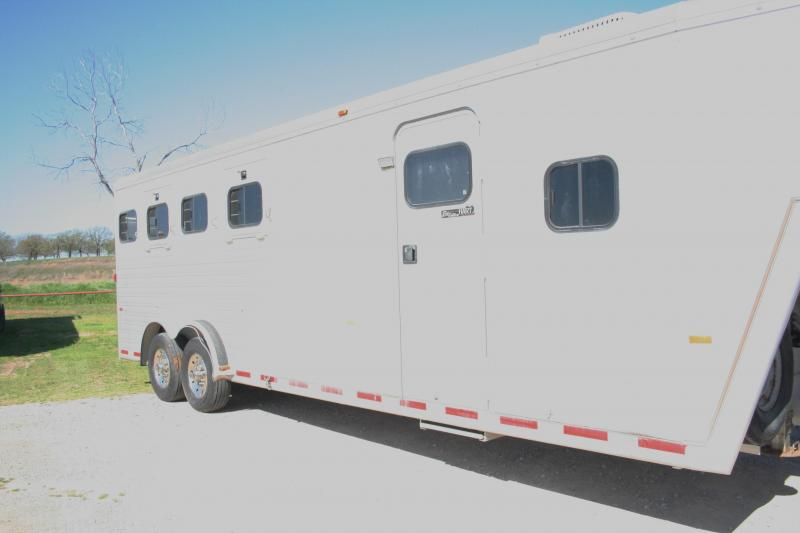 2003 Hart Trailers 4H Horse Trailer