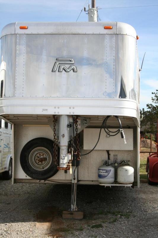 2013 Platinum Coach Sierra Interior Horse Trailer in TX