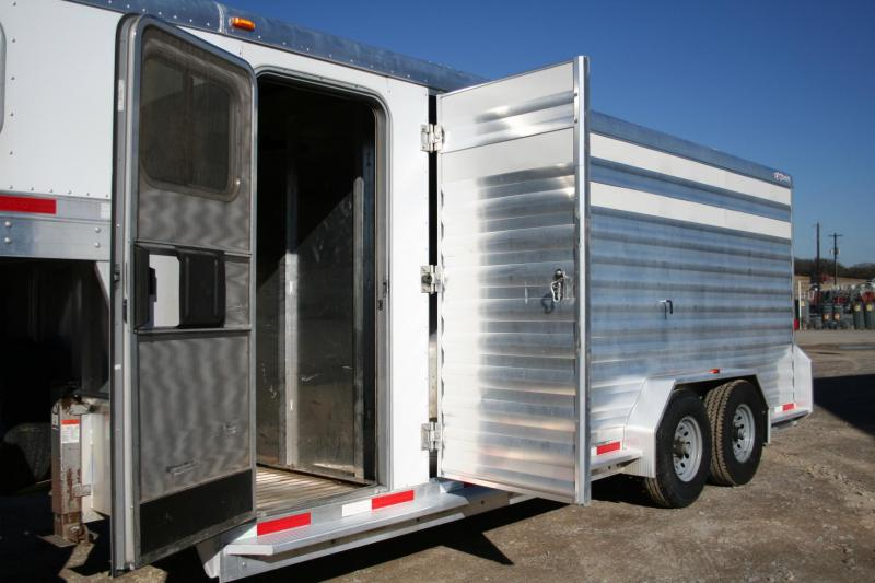 2013 Exiss Trailers STC 20 Livestock Trailer