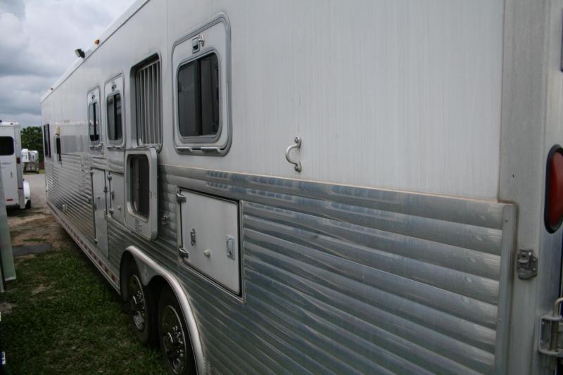 2004 SOONER SE937 HORSE TRAILER