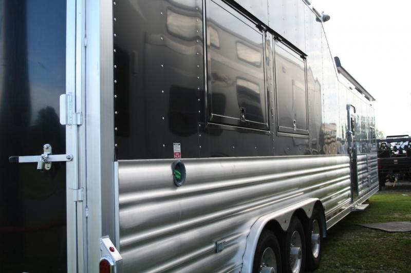 2015 Platinum Coach Outlaw Conversations Toy Hauler