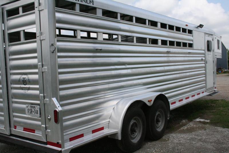 2018 Platinum Coach C-Sport Livestock Trailer