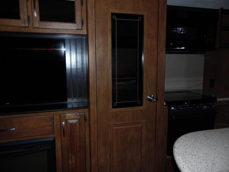 2017  Reflection 337RLS Fifth Wheel Campers