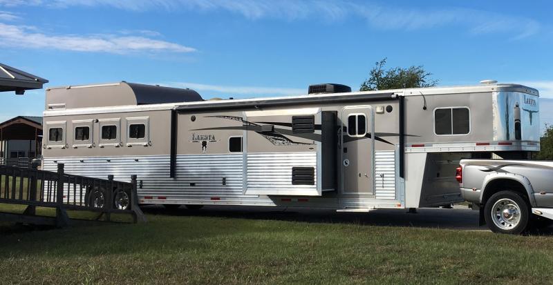 2014 Lakota Trailers Bighorn Edition Horse Trailer