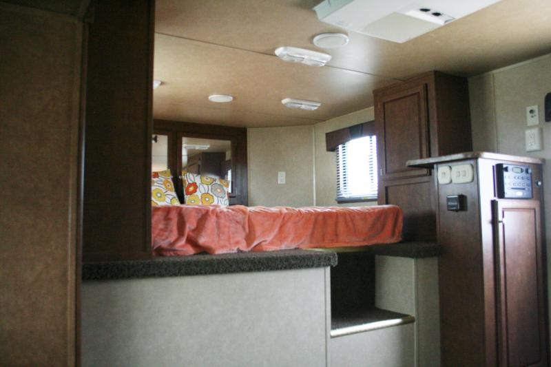 2013 Bison Trailers 8380ME Stratus Express Horse Trailer