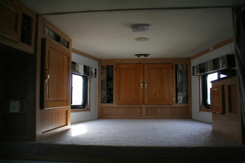 2004 Kiefer Built Genesis X-440 Horse Trailer