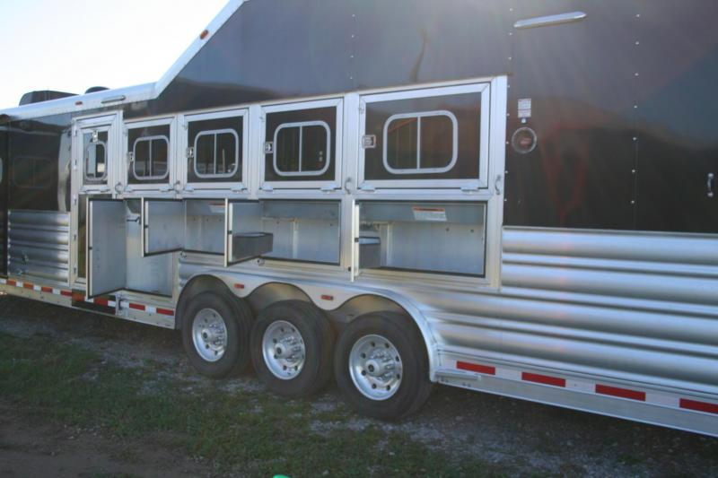 2016 Platinum Coach Outlaw Conversations Horse Trailer