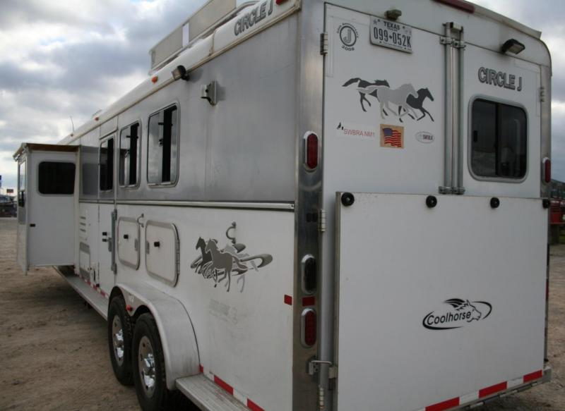 2008 Circle J Trailers Mirage CJ12 SO Edition Horse Trailer in Ashburn, VA