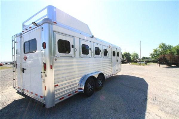 2019 Hart Tradition 4H GN - Smart Tack w/ Hay Rack and Bridle Carousel