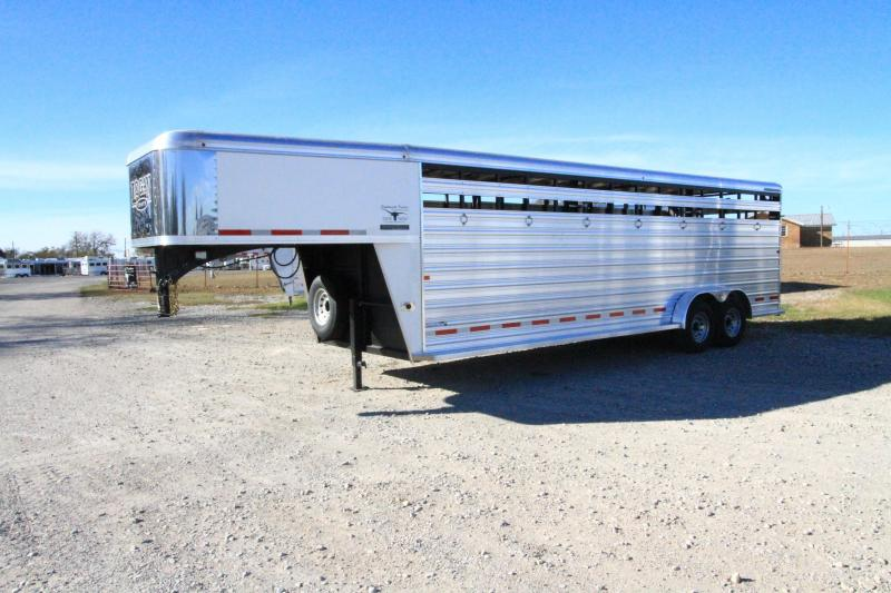 2018 Logan Coach 24' Stockman Livestock Trailer in Ashburn, VA