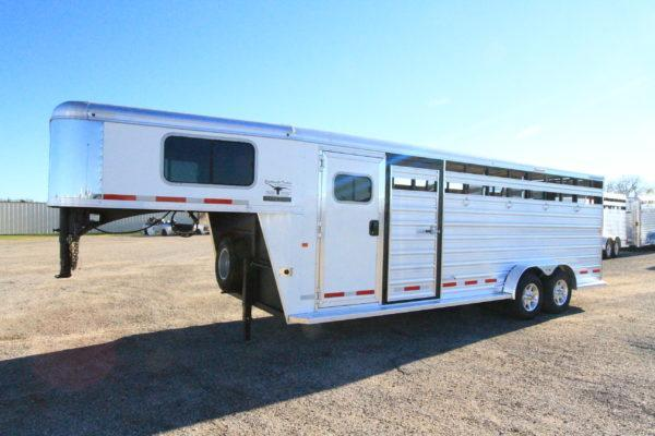 2019 Logan Coach 22' GN Trainers Tack Stock Trailer in Ashburn, VA