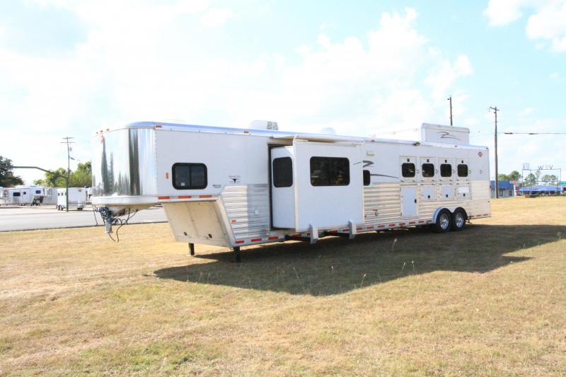 2003 Hart Ultimate 4H 19' SW Slide Out in Ashburn, VA