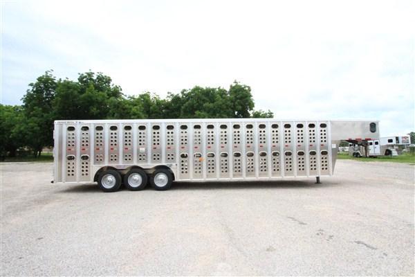 2020 Merrit 32' GN Cattle Hauler