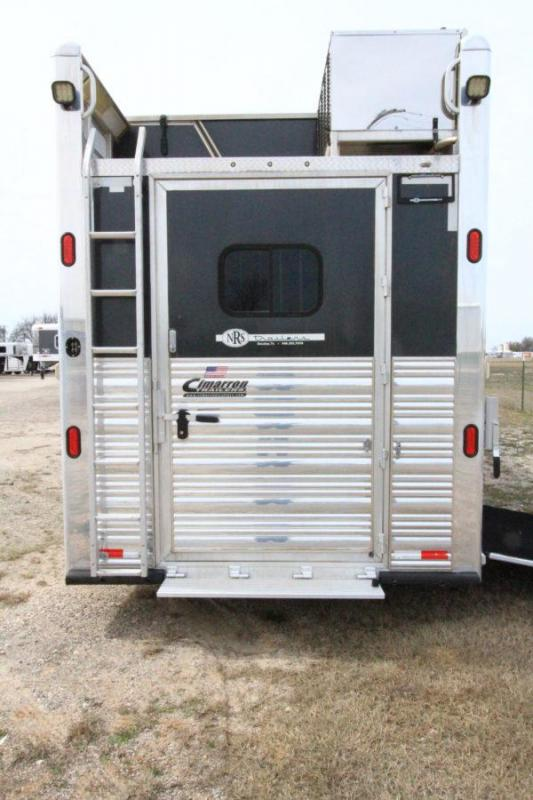2013 Cimmaron 4H 18' SW LQ Side Load Horse Trailer w/ Slide Out
