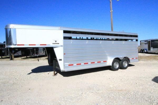 2017 Logan Coach 20' GN Stock Trailer in Ashburn, VA