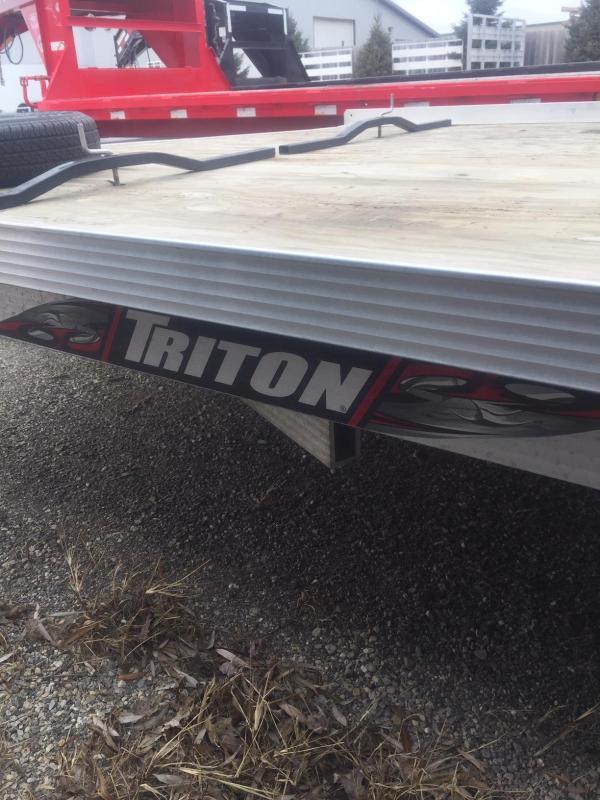 2014 Triton 8.5x22