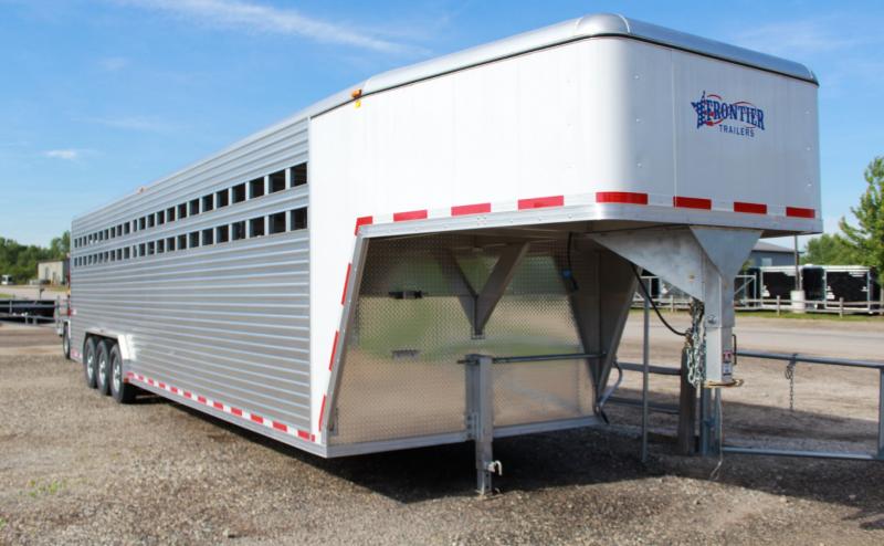 2016 Frontier 32ft Gooseneck 20k Livestock Trailer