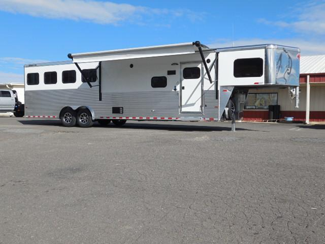 2017 Sundowner Trailers 4H Horizon LQ Horse Trailer in Ashburn, VA
