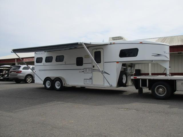 2000 Trails West Manufacturing Horse Trailer in Ashburn, VA
