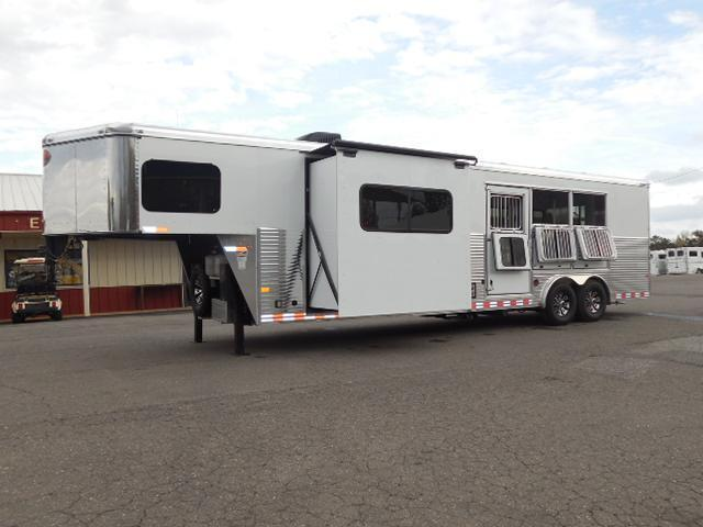 2015 Sundowner Trailers 3H 8013 LQ w/Slide Out Horse Trailer in NC