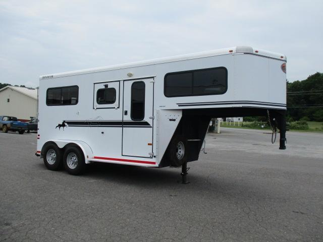 2003 Sundowner Trailers 2H Straight Horse Trailer