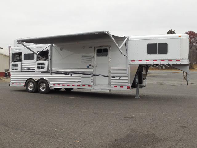 2017 Elite Trailers 3H Outback Customs LQ Horse Trailer in Ashburn, VA