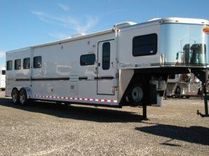2007 Sundowner Trailers 4H 6911 LQ w/Slide Horse Trailer in Ashburn, VA