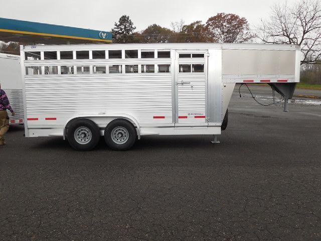 2016 Eby Trailers GN 16ft Maverick Livestock Trailer