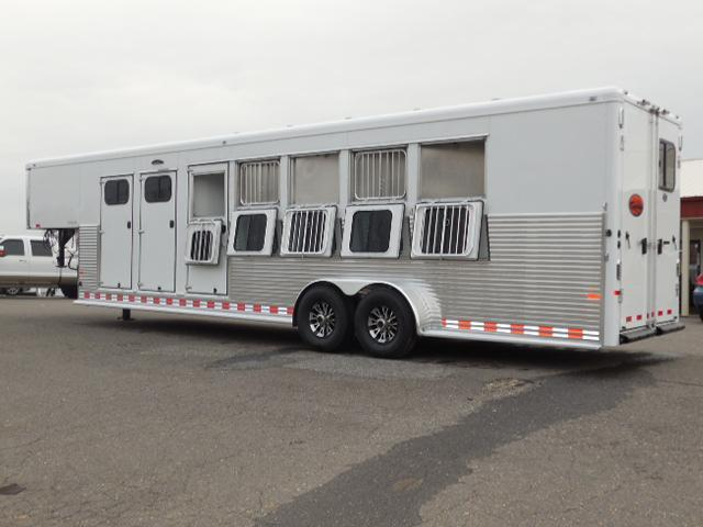 Clearance 2016 Sundowner Trailers GN 5H Rancher Horse Trailer