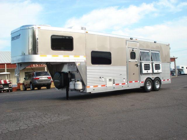 2012 Shetron Manufacturing LLC 3H LQ Horse Trailer