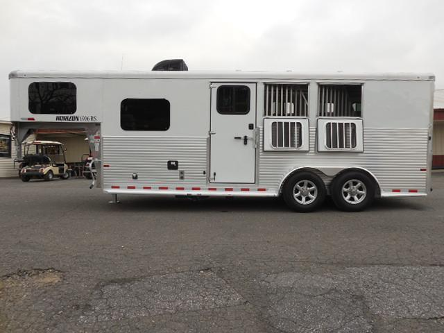 2017 Sundowner Trailers 3H 6906 LQ Horse Trailer in Ashburn, VA