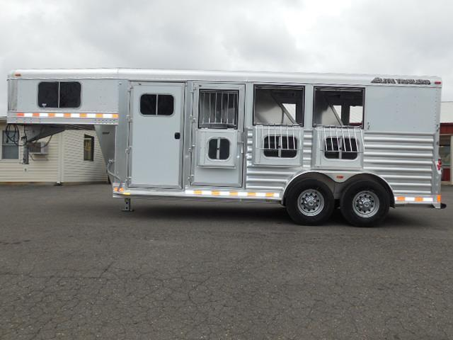 2015 Elite Trailers GN 3H Mustang Horse Trailer