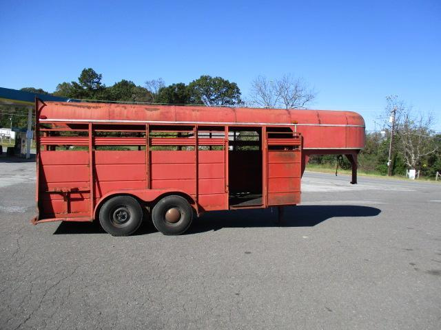 1988 Delta Manufacturing 16ft Livestock Trailer