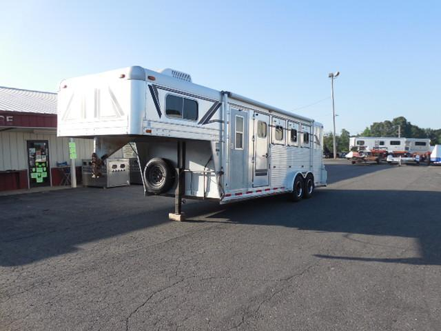 1992 4-Star Trailers GN 4H SL w/Dress Horse Trailer