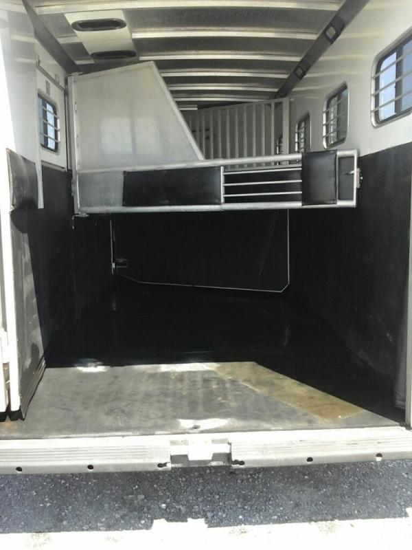 2003 Sundowner Trailers 4H SL GN Horse Trailer
