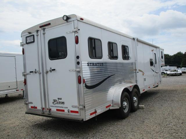2010 Bison Trailers 3H Stratus Express LQ Horse Trailer
