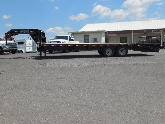 2016 Load Trail 102 x 26 HD Equipment Trailer in Ashburn, VA