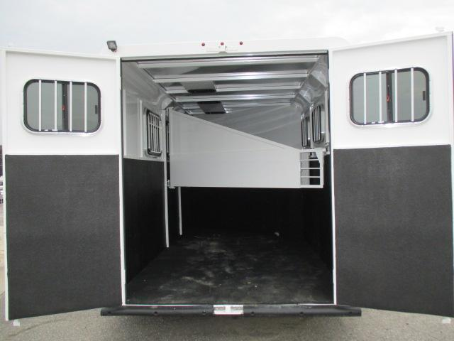 2020 Trails West Manufacturing Adventure MXII 3H SL BP Horse Trailer