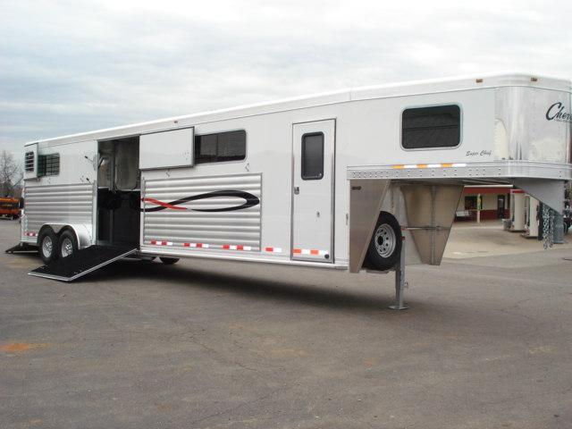 2010 Cherokee Trailers GN 4H Head-Head Horse Trailer in Ashburn, VA
