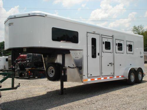 2008 Shadow Trailers GN 3H SL w/Dress Horse Trailer