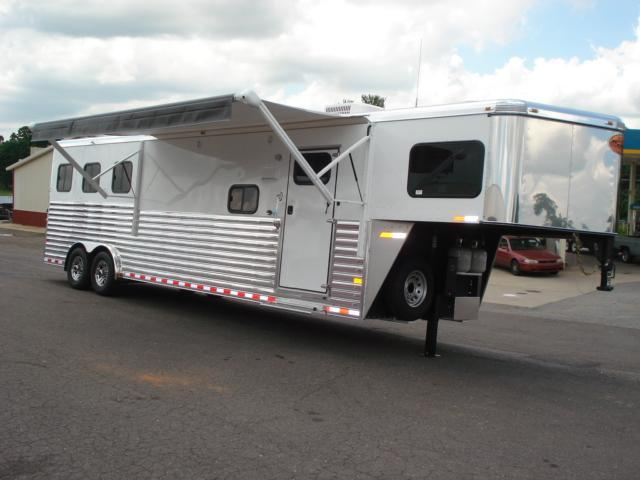 2014 Sundowner Trailers 3H 8012 LQ Horse Trailer in Ashburn, VA