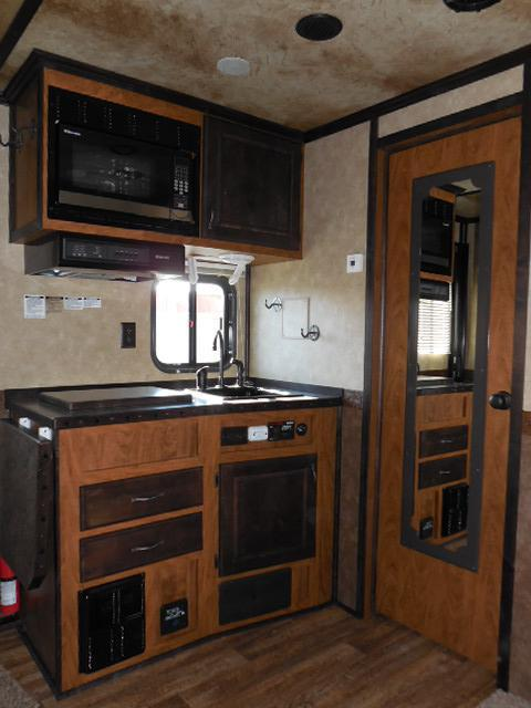 2015 Trails West 4H LQ w/Slide Horse Trailer