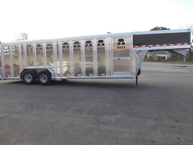 2017 Barrett Trailers GN 24ft Punchside Livestock Trailer