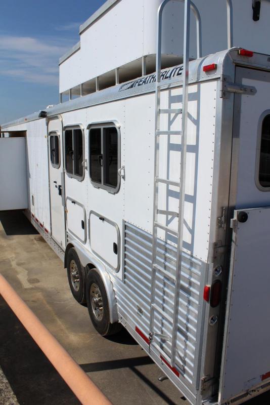 2006 Featherlite 8545 3 Horse Horse Trailer
