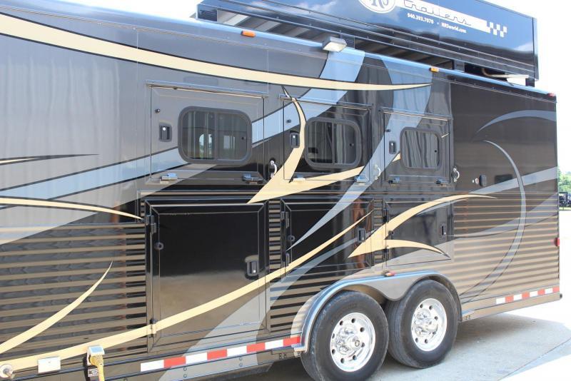 2010 Twister  3 Horse w/18' LQ Trailer
