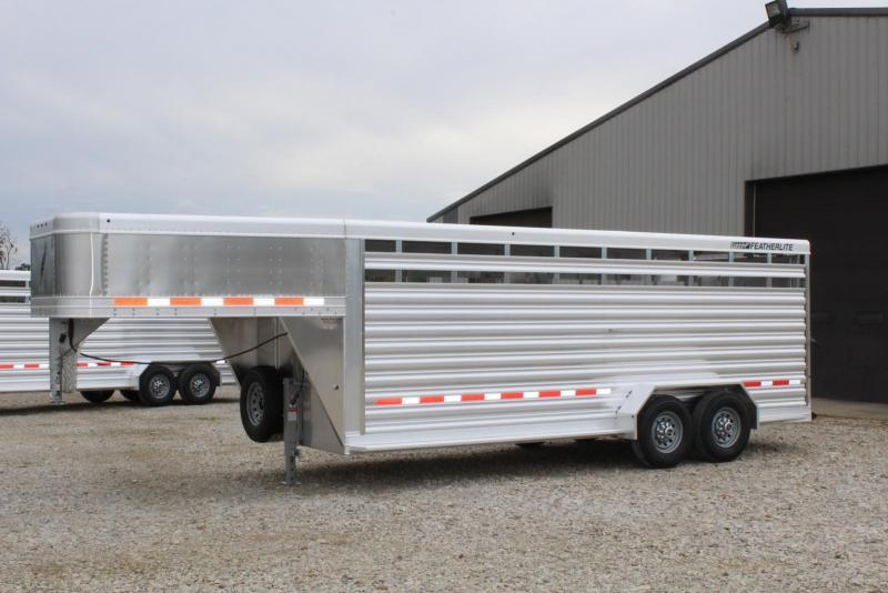 2019 Featherlite 8117-6720 Livestock Trailer