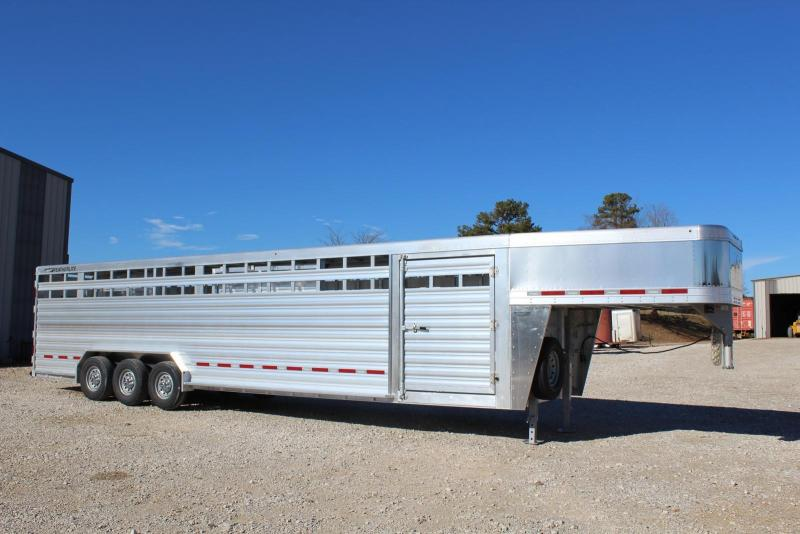 2019 Featherlite 8127-7632 Livestock Trailer in Ashburn, VA