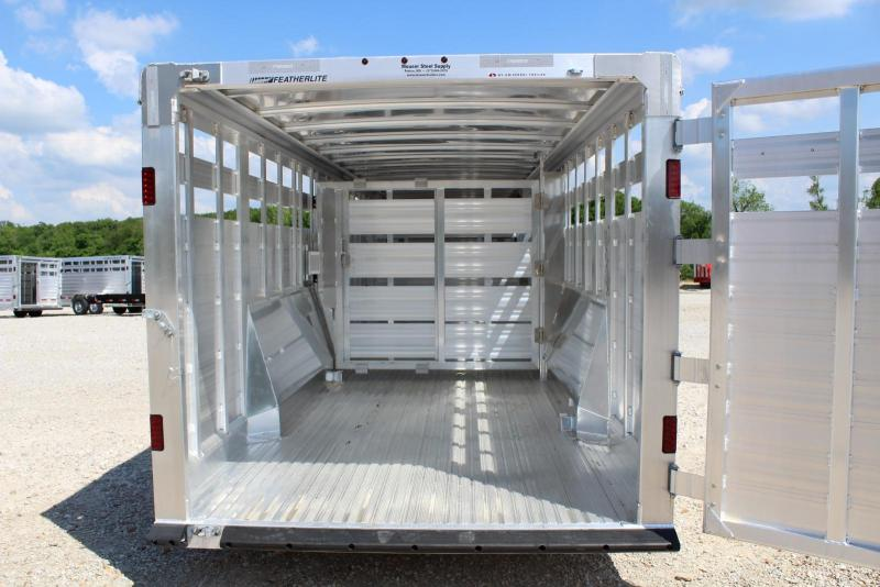 2018 Featherlite 8127-7632 Livestock Trailer