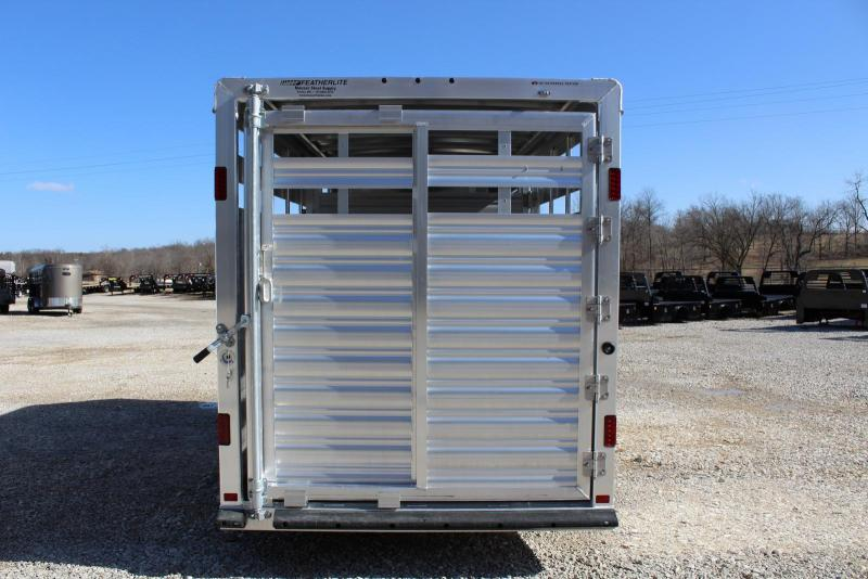 2018 Featherlite 8107-6716 Livestock Trailer