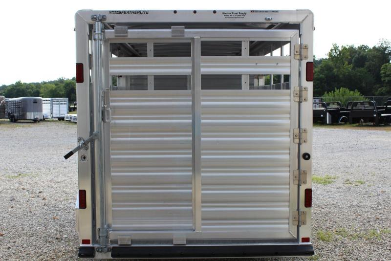 2019 Featherlite 8107-6716 Livestock Trailer